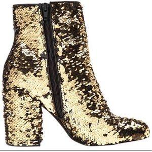 ⭐️Steve Madden Black/gold Sequin Booties🖤